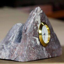 Reloj inserto en Piedra irregular oea santa fe